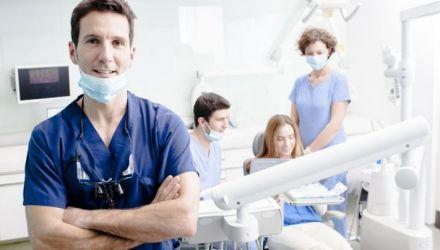 10 choses à savoir sur les implants dentaires