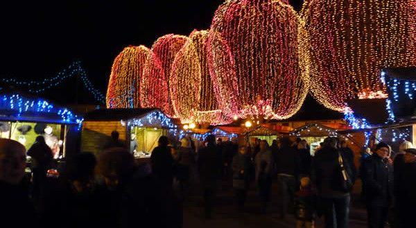 Marché-de-Noël-à-Lambres-lez-Douai-Nord-Pas-de-Calais-France.-Auteur-et-Copyright-AssComm-Lambres-600x330