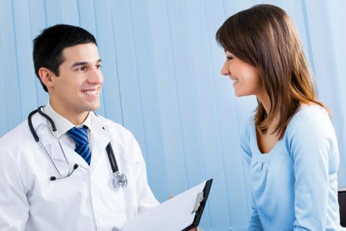 chirurgie-esthetique-page-essentielle2-main-4379637