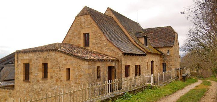 Découvrez les bastides historiques de Dordogne grâce à une location de gite