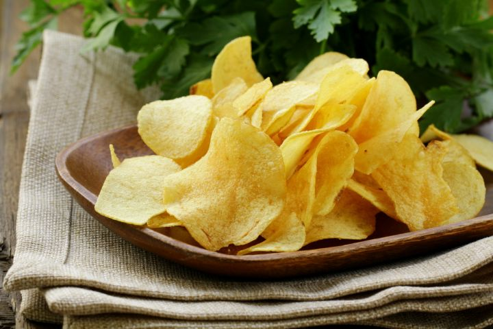 Chips, zoom sur l'apéritif préféré des Français