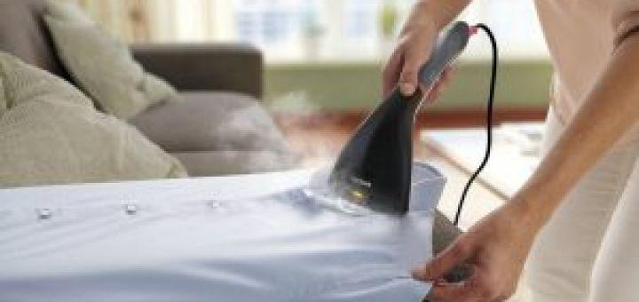 Repassez plus facilement avec un défroisseur vapeur