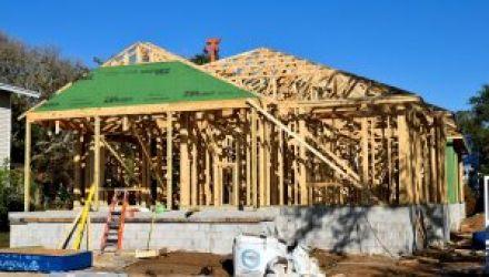 Combien coûte la construction d'une maison à ossature bois?