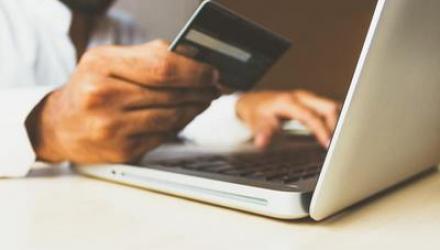 5 moyens de réaliser des économies grâce à internet