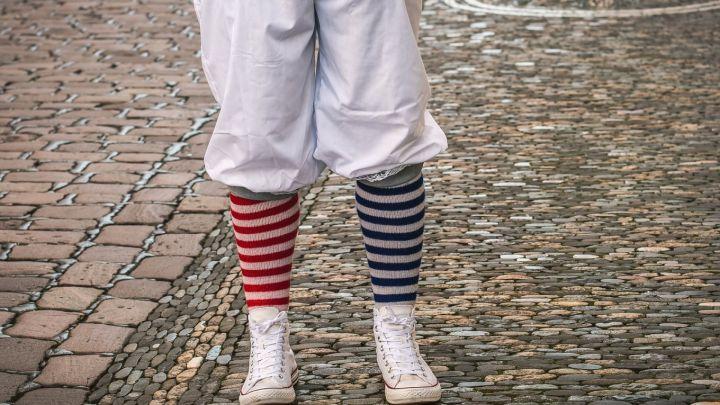 Les chaussettes colorées sont à la mode