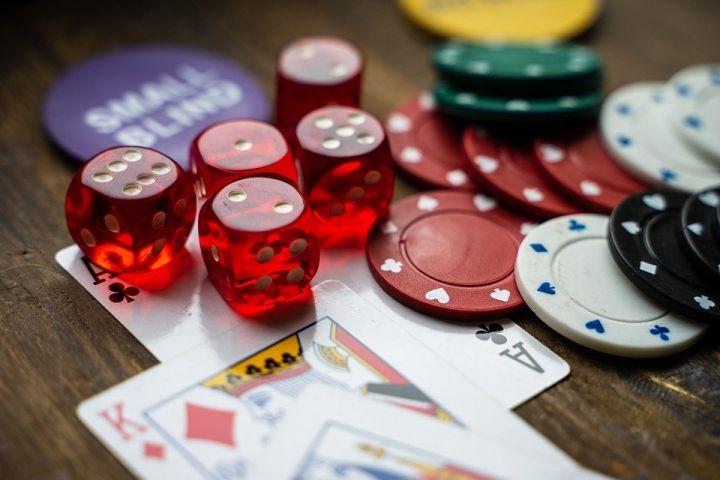 Pourquoi le poker est une activité à tester au plus vite ?